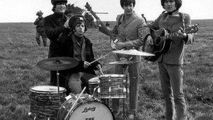 Llun o'r Beatles yn 1965