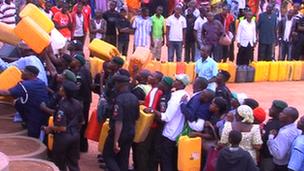 Nigerians in Lagos queue to buy fuel