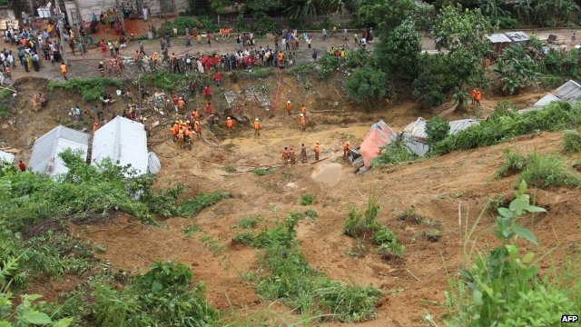Digging for bodies and survivors after Bangladesh floods