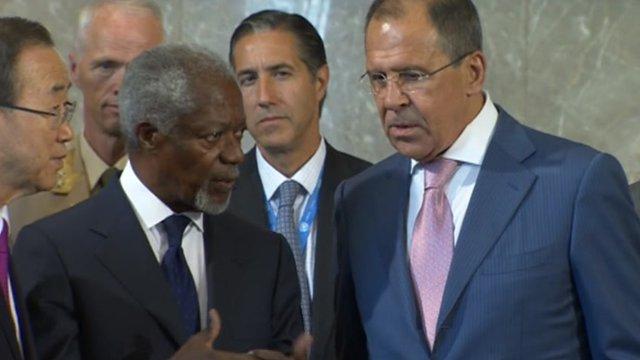 Kofi Annan at conference in Geneva.