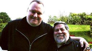 Kim Dotcom poses with Steve Wozniak