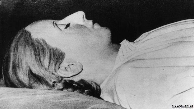 Eva Peron's body in 1952