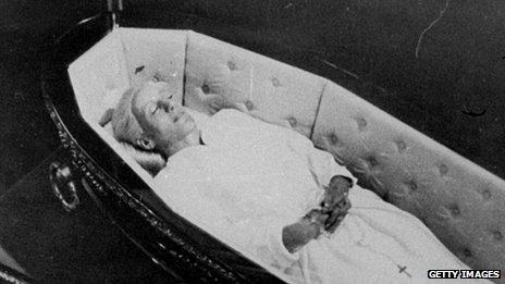 Eva Peron's body in 1974