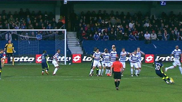 Hugo Rodallega scores a free-kick