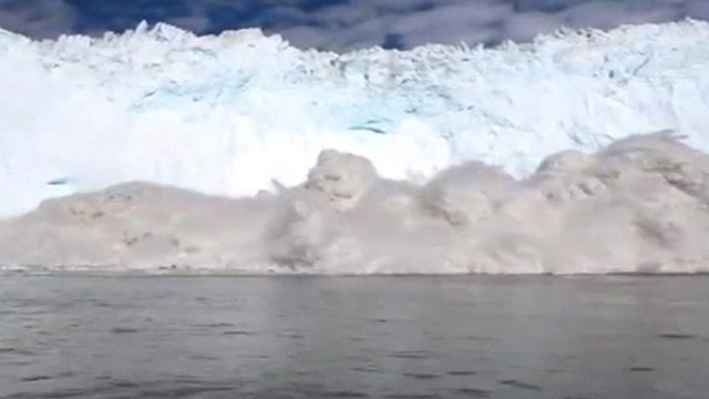 Iceberg 'tsunami' in Greenland