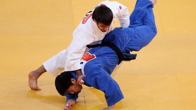 Russian Isaev wins 73kg judo gold