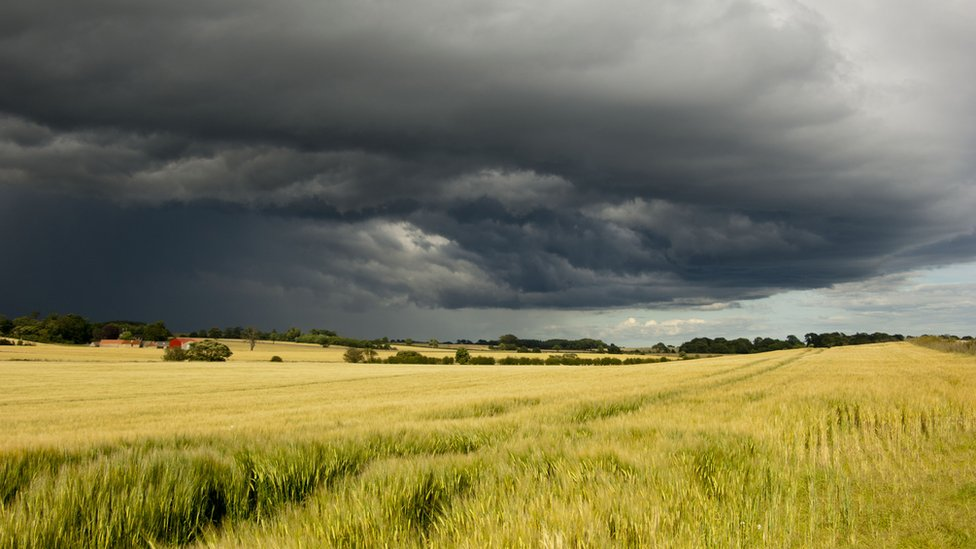 A storm gathering over Fife