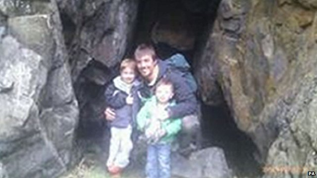 Ewen Beaton and his two sons, five-year-old Ewen and two-year-old Jamie