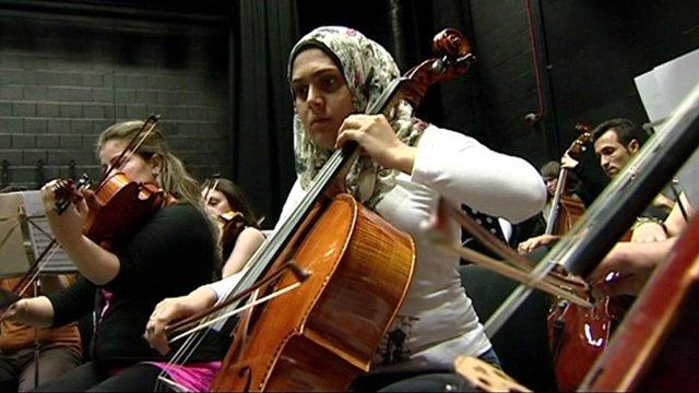 Tu'Qa Al Waeli Cellist