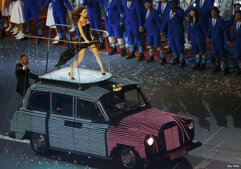 Cabs In Austin >> BBC News - In pictures: London's black taxi cab through the ages