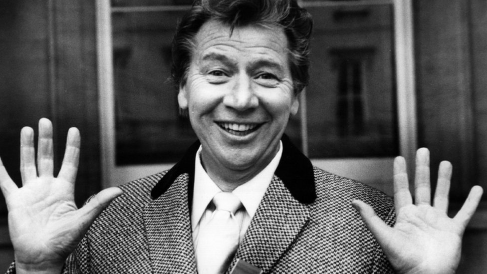 What Was Max Born Famous For >> BBC News - In pictures: Max Bygraves