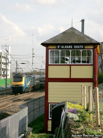 BBC News - In pictures: Ten of the 'best' listed signal boxes