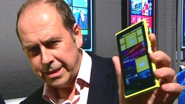 Rory Cellan-Jones holds the Lumia 920