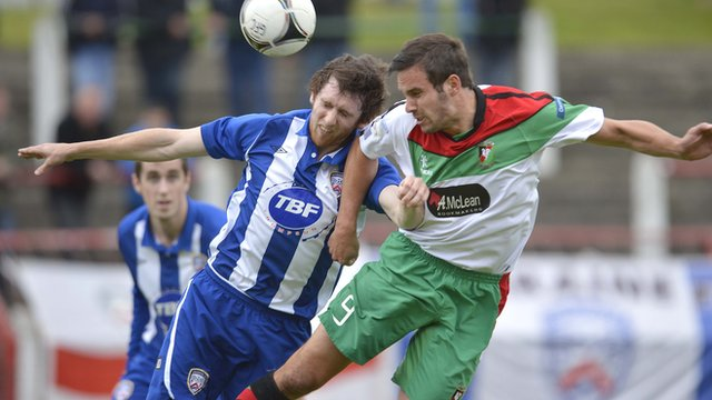 Match action from Glentoran against Coleraine at The Oval