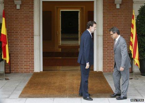 Catalan President Artur Mas (R) meets Spanish Prime Minister Mariano Rajoy in Madrid, 20 September