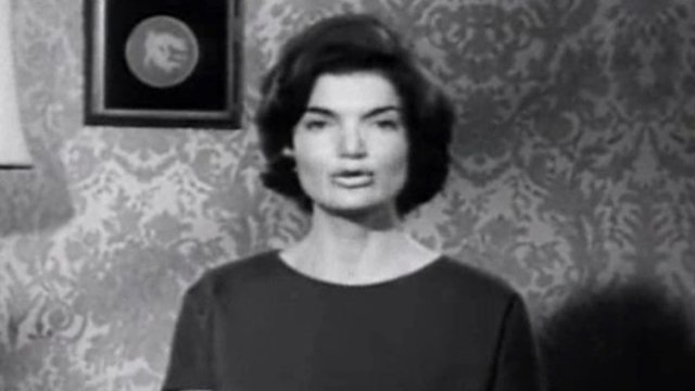 Jackie Kennedy in a Spanish-language political ad