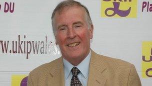 Warwick Nicholson