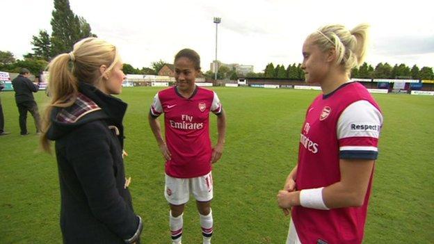 Hayley meets Arsenal Ladies football team