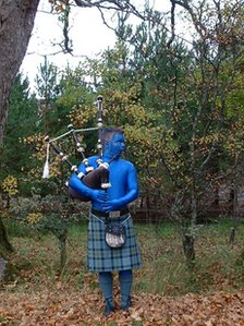 Bagpiper marks the twinning