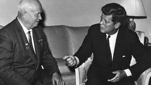 Y Cadeirydd Khrushchev ac Arlywydd Kennedy