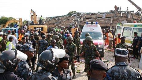 Scene at collapsed building in Accra, Ghana (7 November 2011)