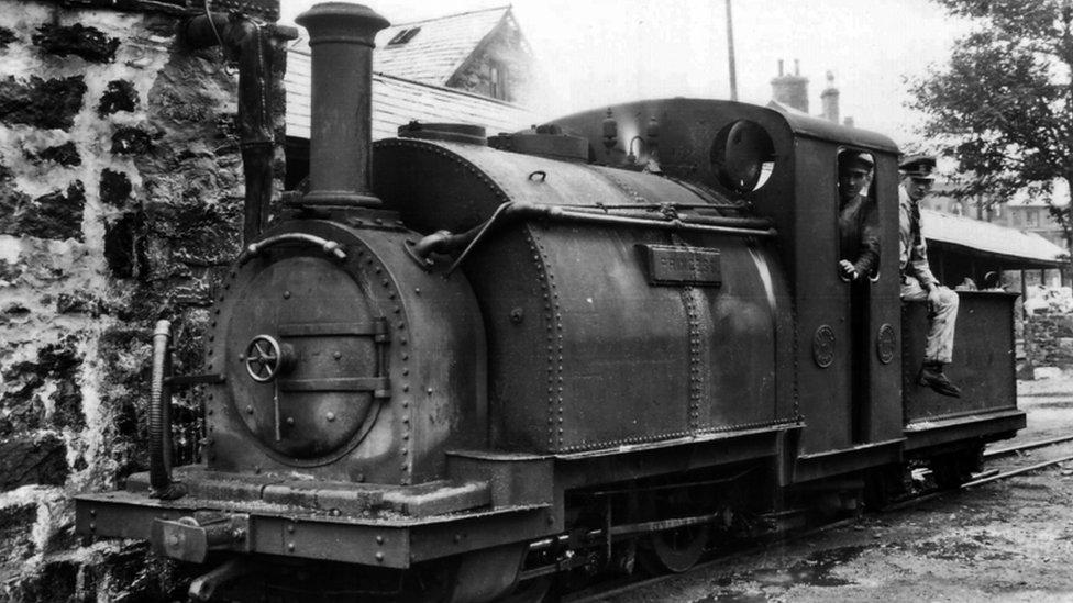 BBC News - In pictures: Princess narrow gauge loco departs