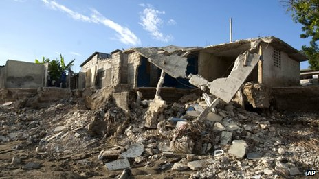 House in ruins in Port au Prince