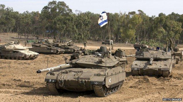 Tanks on Israel-Gaza border