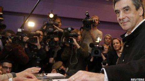 Francois Fillon casts his vote in Paris (18 Nov 2012)