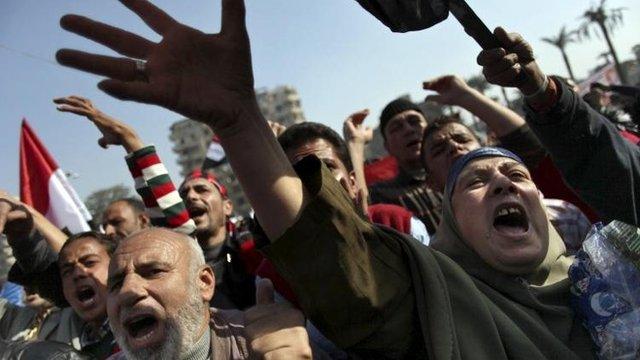 Anti-Muslim Brotherhood protesters in Tahrir Square, Cairo (30 Nov)