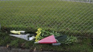 Bouquets of flowers at the Buitenboys club in tribute to linesman Richard Nieuwenhuizen