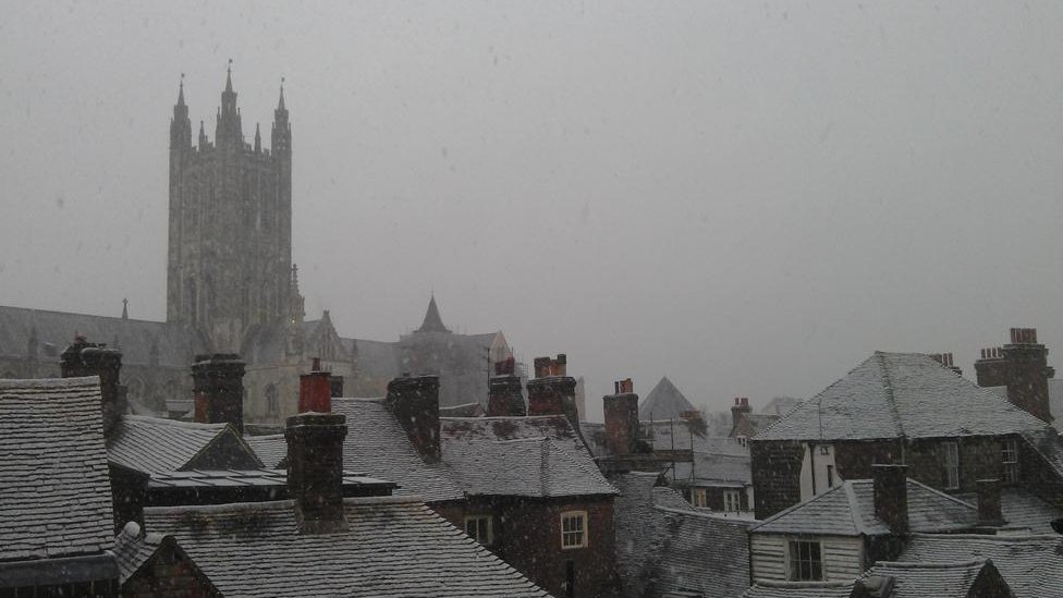 Bbc News Your Pictures Snow Falls Across Southern England