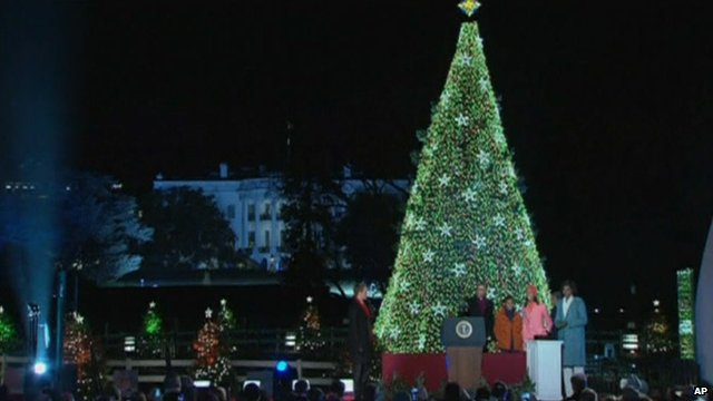 Obamas light Christmas tree in front of White House - British Firm Chosen To Decorate Bethlehem Christmas Tree - BBC News