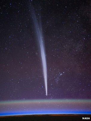 Comet Lovejoy visible near Earth's horizon (c) Nasa