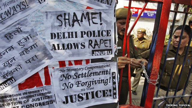 Anti-rape slogans in Delhi