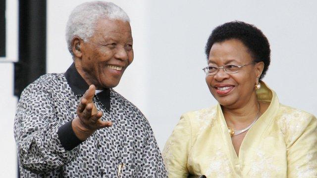Nelson Mandela and wife Graca Machel of Mozambique