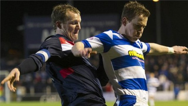 Turriff captain Ross Anderson challenges Morton's Archie Campbell