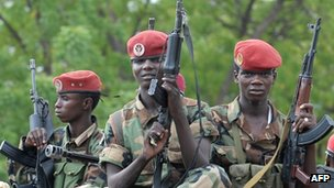 A picture taken on 21 June 2008 shows Chadian soldiers in N'Djamena