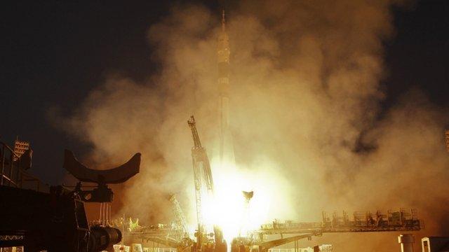 Soyuz TMA-07M blasts off