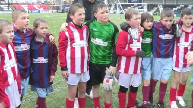 Kids from Holy Family and Currie Primary Schools at Seaview