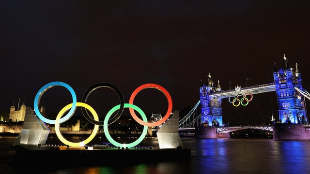 Olympic rings by Tower Bridge