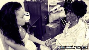 Rihanna posted a photo of her grandmother on Twitter