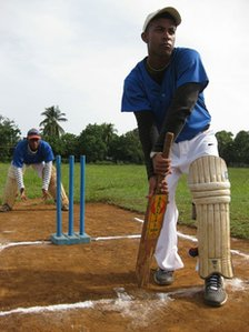Playing cricket in Baragua