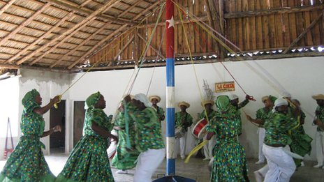 Dancing round the maypole