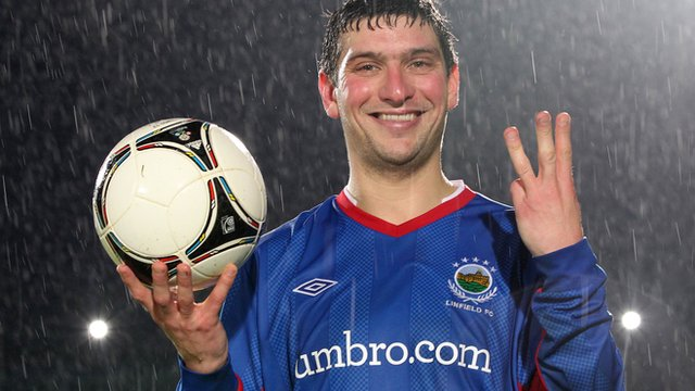 Matthew Tipton scored a hat-trick for Linfield in the 5-2 victory over Coleraine