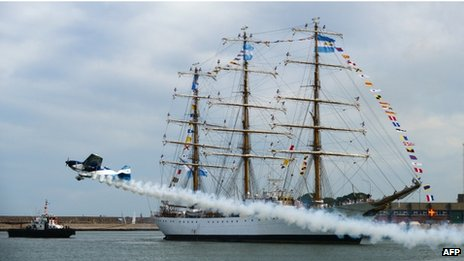 La Libertad arrives in Mar del Plata