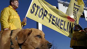 Demonstrators against Temelin power plant