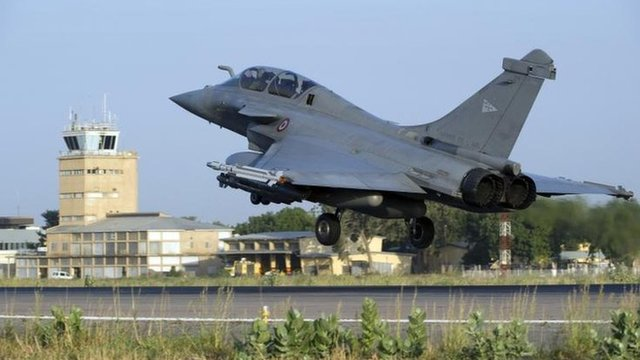 Rafale jet lands in Chad after mission in Mali, 13 Jan