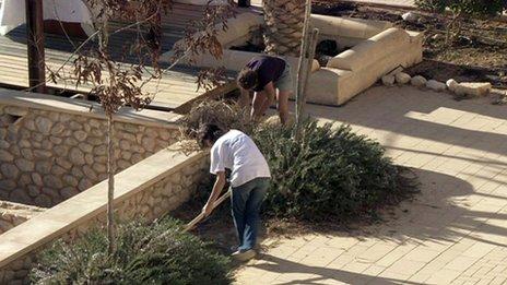 Ayalim members gardening
