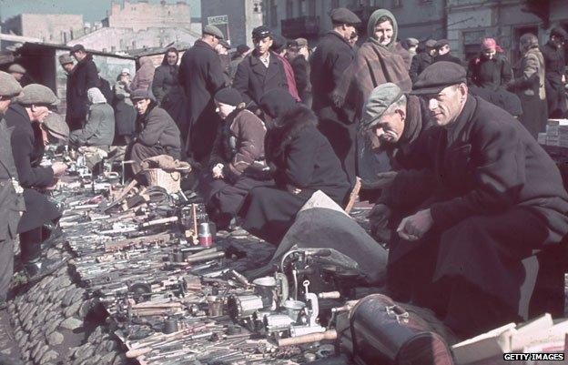 Street market in Warsaw ghetto